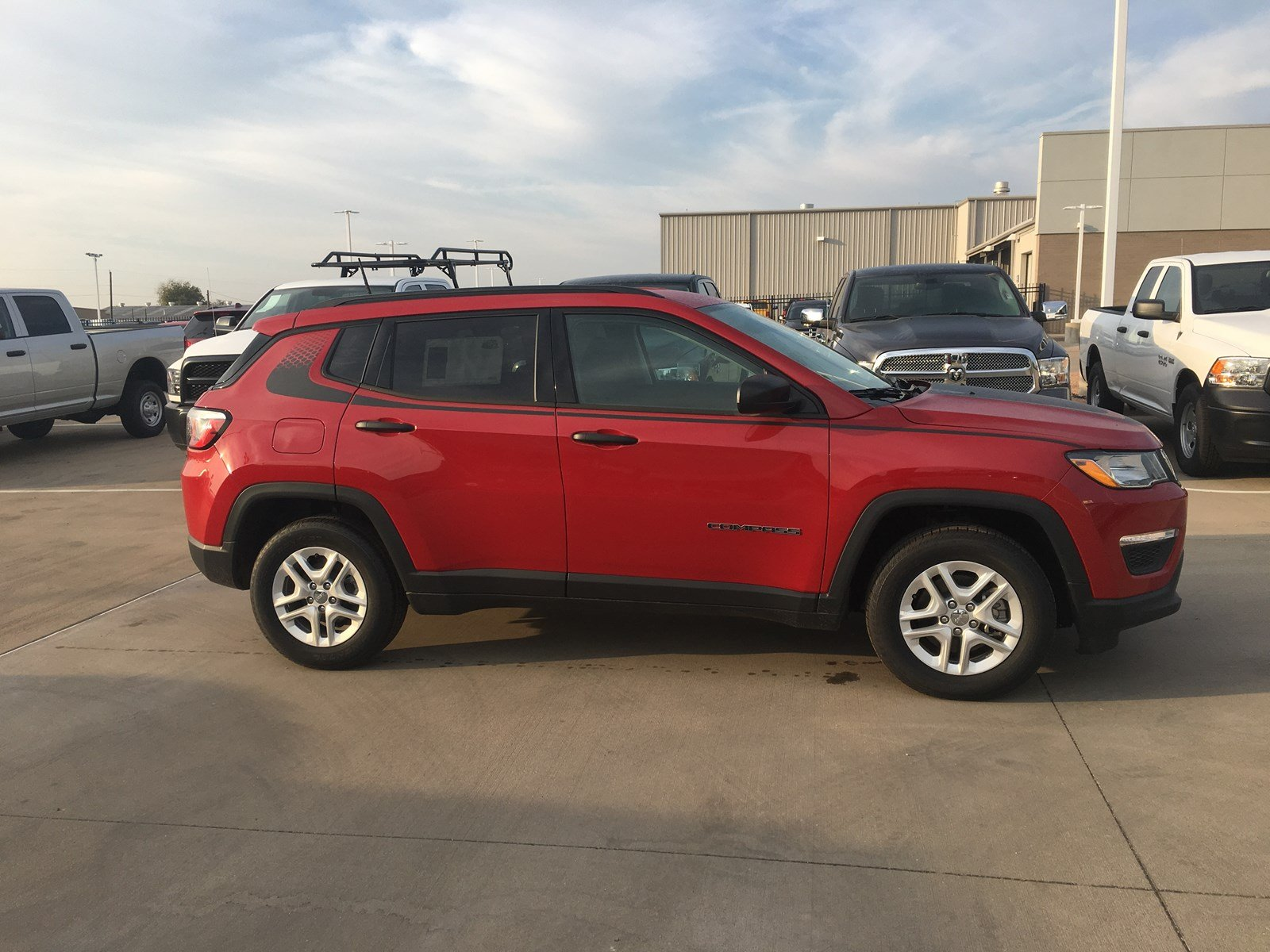 New 2018 JEEP pass Sport Utility in Waco 18J
